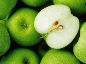 Продукты способствующие похудению. Зеленые яблоки